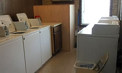 Kitchen, 115 Marengo Ave, 2