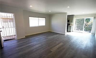 Living Room, 1626 Granville Ave 4, 1
