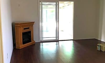 Living Room, 2268 Finch Ln, 1