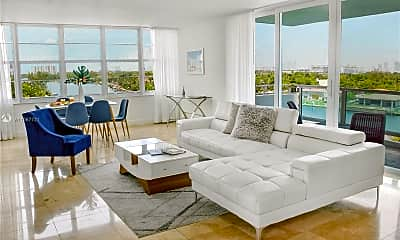 Living Room, 5101 Collins Ave A, 0