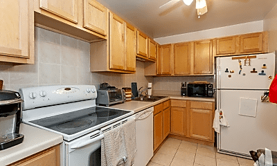 Kitchen, 2020 N Lincoln Ave, 0