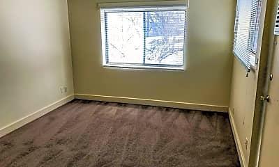 Bedroom, 80 E York St, 1