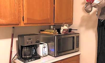 Kitchen, 1010 21st St S, 2