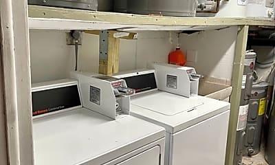Kitchen, 200 Maple St 6, 2