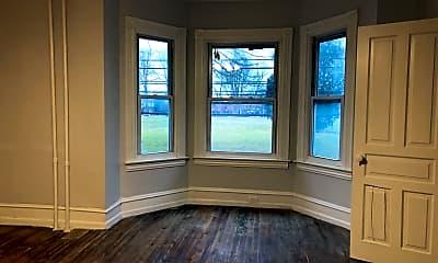 Living Room, 738 E King St, 0