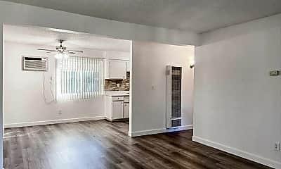 Living Room, 9100 Tuolumne Dr, 0
