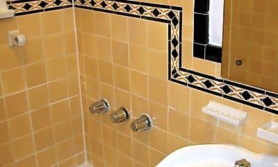 Bathroom, 631 S Cochran Ave, 2