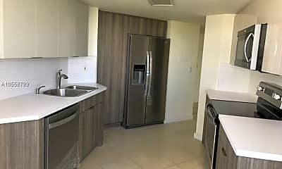 Kitchen, 5880 Collins Ave, 1