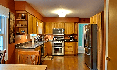 Kitchen, 84 Scenic View Dr, 1