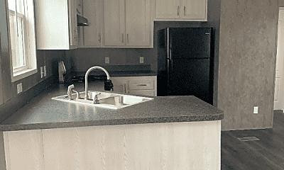 Kitchen, 621 N Mills Dr, 1