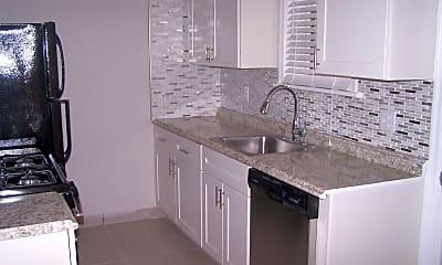 Kitchen, 1042 Sanford Ave, 0