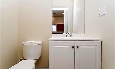 Bathroom, 1008 S Pine St, 1