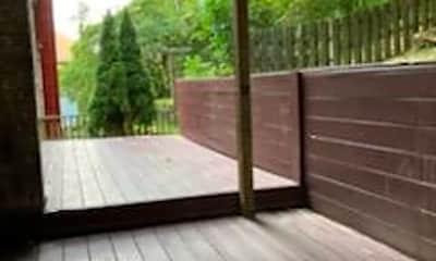 Patio / Deck, 405 Southmont Blvd, 2