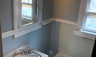 Bathroom, 6712 Braun, 2