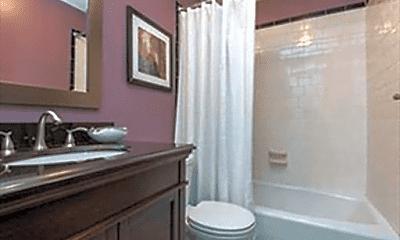 Bathroom, 11 Revere St, 2