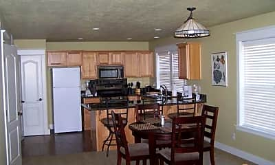 Kitchen, 317 NW Chamberlain St, 1