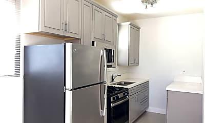 Kitchen, 568-576 N First St & 567-575 N Second St 831-801-4665, 1