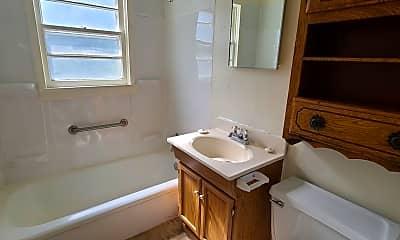 Bathroom, 1618 N Adams St, 2