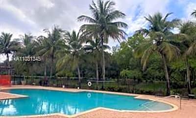 Pool, 340 Crestwood Cir 304, 2