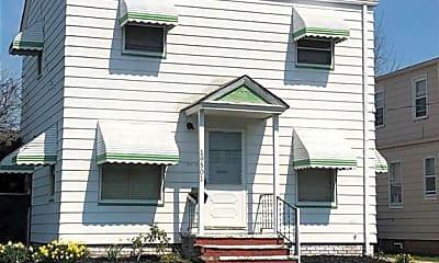 Building, 19501 Muskoka Ave, 2
