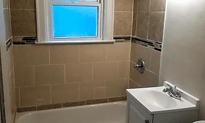 Bathroom, 14042 Cloverlawn Ave, 2