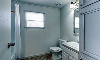 Bathroom, Willow Point, 2