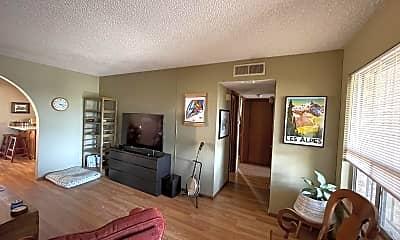 Living Room, 504 E University Ave, 2