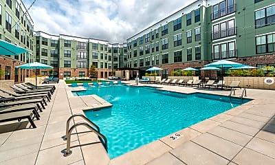 Pool, 1400 Chestnut, 2