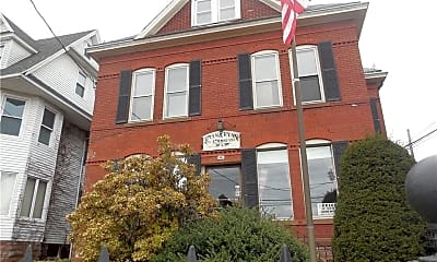 Building, 46 Washington St, 1