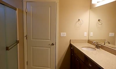 Bathroom, 3244 SW 28th St, 2