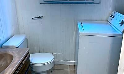 Bathroom, 1657 E 32nd St, 2