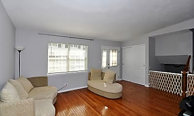 Living Room, 117 Brookwood Ct, 1