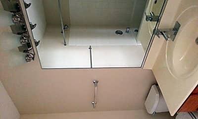 Bathroom, 2911 Stockton Ct, 2