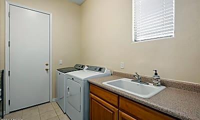 22339 N Freemont Rd, 2