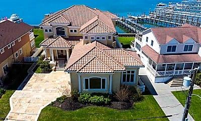 Building, 530 W Shore Dr, 1