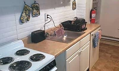 Kitchen, 512 Chain St, 1