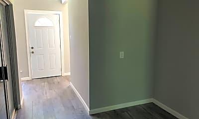 Living Room, 5054 Pine Cliff Dr, 2
