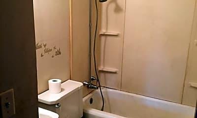 Bathroom, 847 Washington St, 2