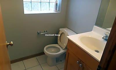 Bathroom, 3349 W Warren Blvd, 2