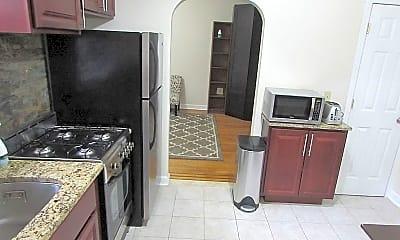 Kitchen, 36 Duncan Ave D, 1