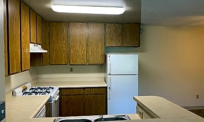 Kitchen, 5845 Lauretta St, 2