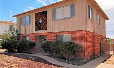 Building, 2811 N Craycroft Rd, 1