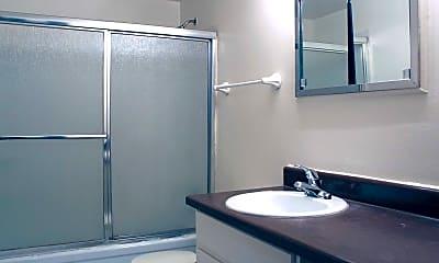 Bathroom, Greenway Park Apartments, 2