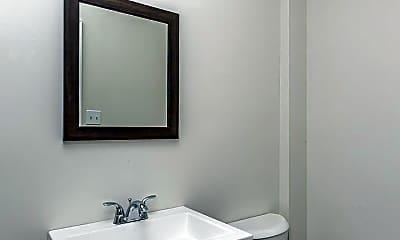 Bathroom, 1005 W Lancaster Ave, 2