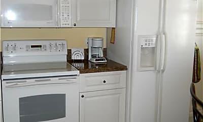 Kitchen, 3 Harbour Isle Dr E PH03, 1