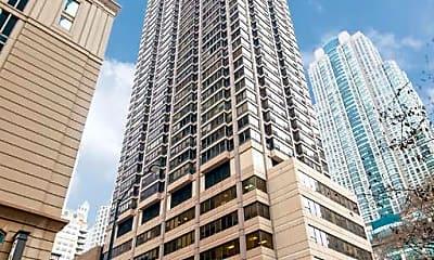 Building, 30 E Huron St 3605, 0