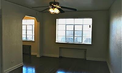 Building, 1001 Logan St, 1