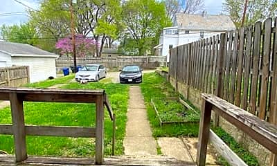 Patio / Deck, 204 E Blake Ave, 2