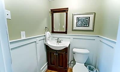 Bathroom, 115 Mulberry St, 2