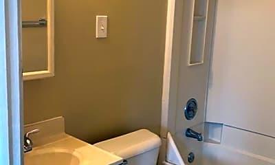 Bathroom, 17 Clyde St, 1